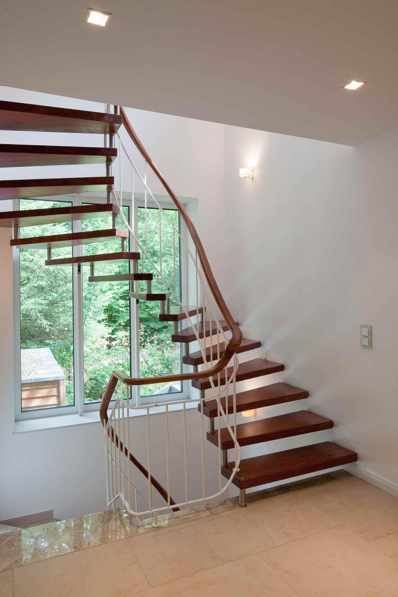 ZET (Wohnbauten + Umbau und Sanierung) Villa im Bauhausstil